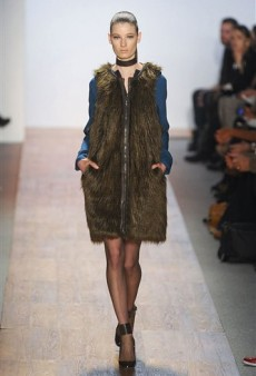 Max Azria Fall 2011 Runway Review