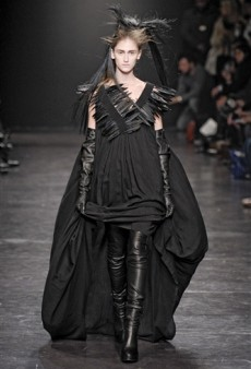 Ann Demeulemeester Fall 2011 Runway Review