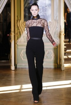 Emanuel Ungaro Fall 2011 Runway Review