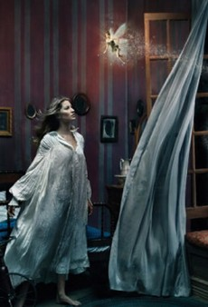 Annie Leibovitz Casts Celebrities in Classic Fairytale Photos