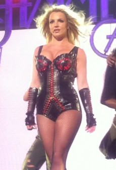 Forum Buzz: Britney Spears Takes the Stage; the Forum Enjoys a Mariah Carey Flashback