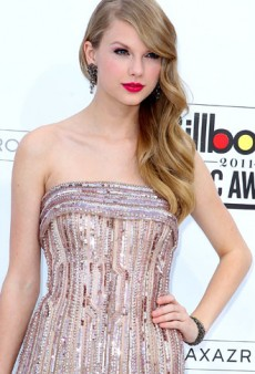 2011 Billboard Music Awards Red Carpet