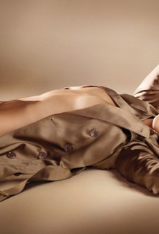 Rosie Huntington-Whiteley is the Burberry Body (Forum Buzz)