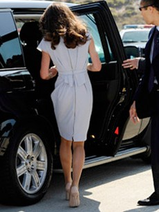 Is Duchess Kate's Pantyhose Habit Good or Bad for Women?