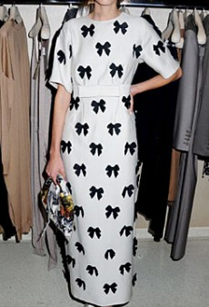 Alexa Chung's Stella McCartney Look Gets No Love (Forum Buzz)