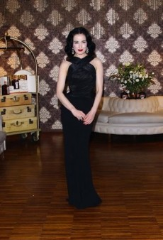 Dita Von Teese: Look of the Day – Retro and Modern