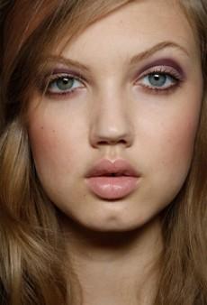 5 Universally Flattering Makeup Colors