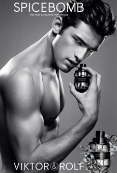Viktor & Rolf Unleashes Spicebomb With Sean O'Pry (Forum Buzz)