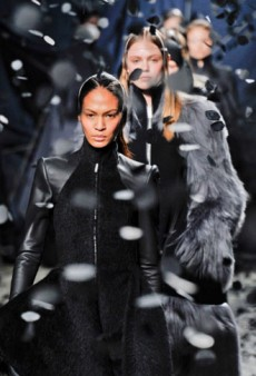 Gareth Pugh Fall 2012 Runway Review
