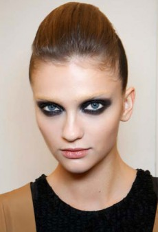 Get the Look: Runway-Inspired Strong Eyes for Spring