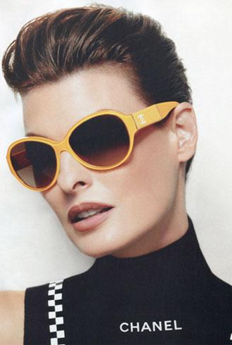 Linda Evangelista Chanel