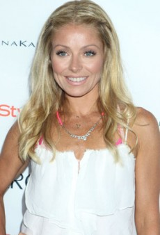 Donna Karan and Kelly Ripa Host Super Saturday Garage Sale in the Hamptons