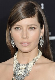 Get Jessica Biel's Powder Pink and Orange Makeup Look
