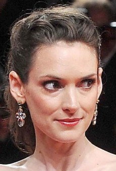 Look of the Day: Winona Ryder's Floral Lace Dolce & Gabbana Gown