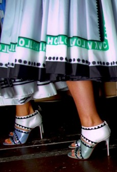 Link Buzz: LFW Shoes!! & Amanda Bynes Does God-Knows-What in a Dressing Room for 2 Hours