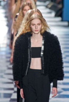 Viktor & Rolf Spring 2013 Runway Review