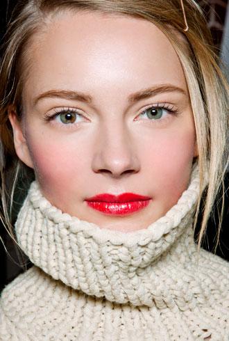 file_176601_0_bold-lips