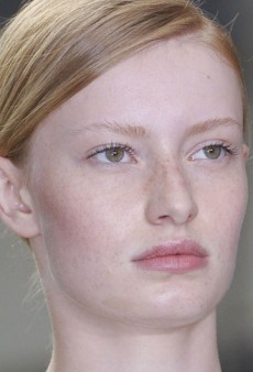 Runway Dare: Do Fake Freckles at Home