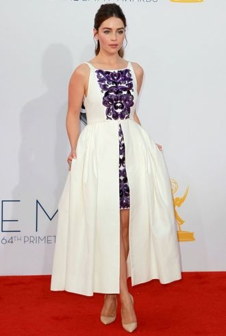 Emilia Clarke 64th Annual Primetime Emmy Awards Los Angeles Sept 2012 cropped