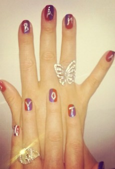 Mariah Carey Wears Her Vote on Her Nails and Other Celeb Twitpics of the Week