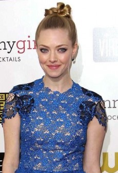 Look of the Day: Amanda Seyfried Epitomizes Edgy Glamour in Marios Schwab