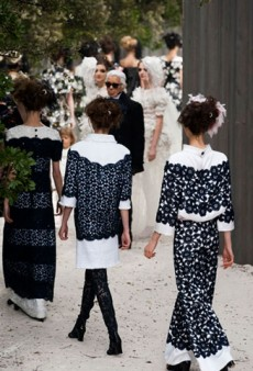 Link Buzz: Chanel Couture Show Bonuses; To Lucite or Not To Lucite?