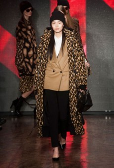 DKNY Fall 2013 Runway Review