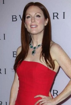 Look of the Day: Julianne Moore Dazzles in Elizabeth Taylor's Bulgari Necklace