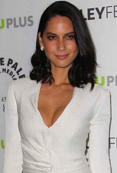 Look of the Day: Olivia Munn's Crisp White J. Mendel Dress