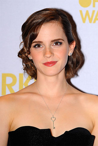 Did Hacker Group &#8216;Anonymous&#8217; Confirm Emma Watson as Anastasia Steele for &#8216;Fifty Shades of Grey&#8217; Movie? No.