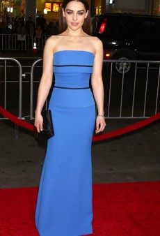 Emilia Clarke Turns Heads at the Game of Thrones Premiere (Forum Buzz)