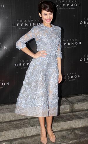 Olga Kurylenko in Elie Saab couture