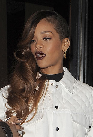 Rihanna Sues Topshop for $5 Million
