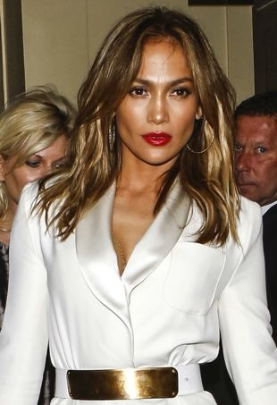 Jennifer-Lopez-London-portrait-cropped