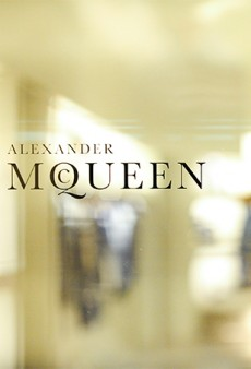 Link Buzz: Alexander McQueen Boutique in New York Accused of Racism in 'Blockbuster Filing'