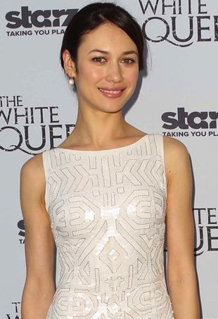 Olga-Kurylenko-US-launch-of-the-Starz-original-series-The-White-Queen-Los-Angeles-portrait-cropped