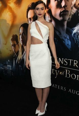 Lily-Collins-Los-Angeles-Premiere-of-The-Mortal-Instruments-City-of-Bones-portrait-cropped