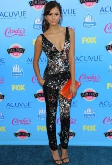 Stars Make a Splash on the Blue Carpet at the Teen Choice Awards 2013