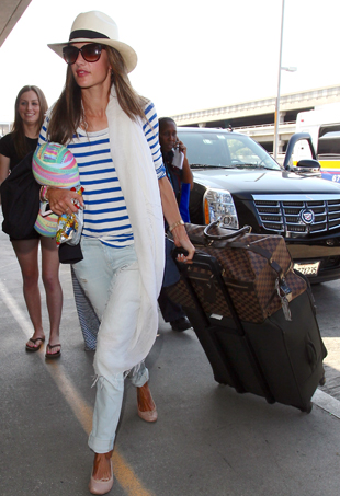 dos-and-donts-of-airport-dressing-p