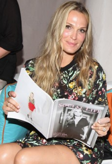Molly Sims: Packing Tips and Carry-On Essentials
