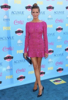 Get the Look: Katie Cassidy Has Us Thinking Pink
