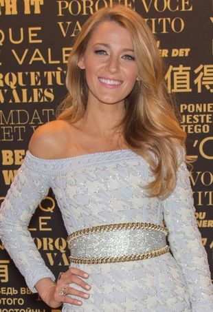 Blake-Lively-LOreal-Paris-Egerie-New-Face-Announcement-Paris-portrait-cropped