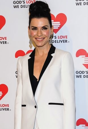 Julianna-Margulies-Gods-Love-We-Deliver-2013-Golden-Heart-Awards-New-York-City-portrait-cropped