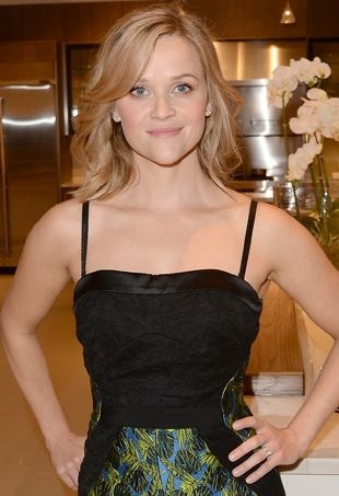 Reese-Witherspoon-Pirch-store-launch-Glendale-portrait-cropped