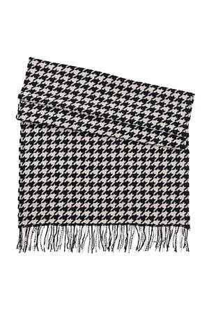 Boss-houndstooth-scarf