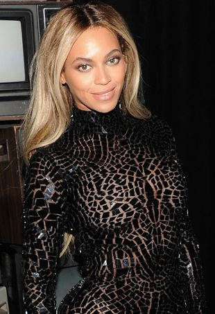 Beyonce-release-party-and-screening-for-Beyonce-New-York-City-portrait-cropped