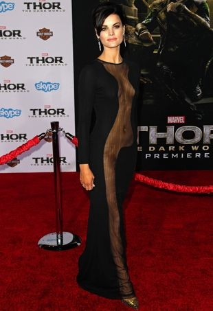Jaimie-Alexander-Los-Angeles-Premiere-of-Thor-The-Dark-World-Nov-2013-portrait-cropped