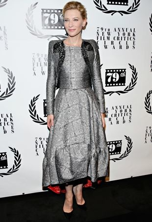 Cate-Blanchett-2013-New-York-Film-Critics-Circle-Awards-Ceremony-New-York-City-portrait-cropped