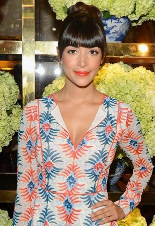 Hannah-Simone-Tory-Burch-Rodeo-Drive-Boutique-Opening-Beverly-Hills-portrait-cropped