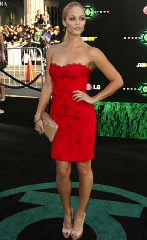 Laura-Vandervoort-Los-Angeles-Premiere-of-Green-Lantern-June-2011